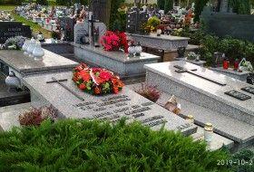 7 SzMW - przy grobie patrona w Starym Sączu